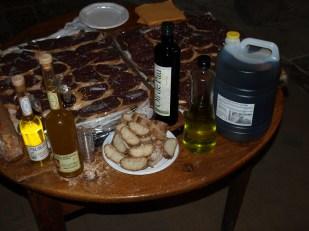 maridatge d'olis i embotits a Torà